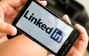 LinkedIn debuted new mobile features for its iPhone, Android and iPad apps on Wednesday.