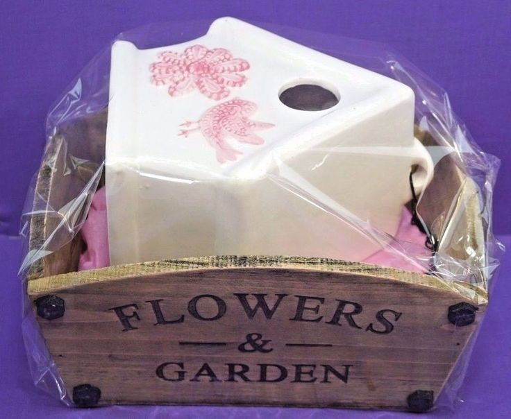 FLOWERS & GARDEN PLANTER AND A POTTERY  BIRD HOUSE  JOB LOT BUNDLE PRESENT GIFT