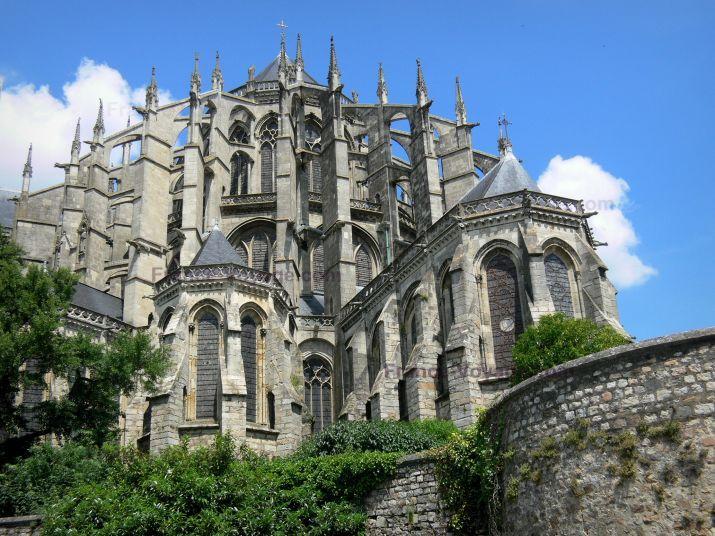 Le Mans: Vieux Mans - Cité Plantagenêt : chevet gothique de la cathédrale Saint-Julien - France-Voyage.com