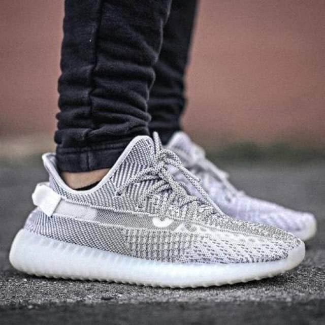 "29e613f0 Adidas Yeezy Boost 350 V2 "" static"" on feet 