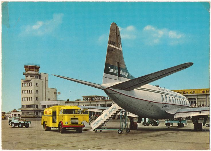 Incredibly Boring Postcard (8)  Oostende - Middelkerke Luchthaven / Aéroport / Airport / Flughafen (Belgium, mid 1960s)