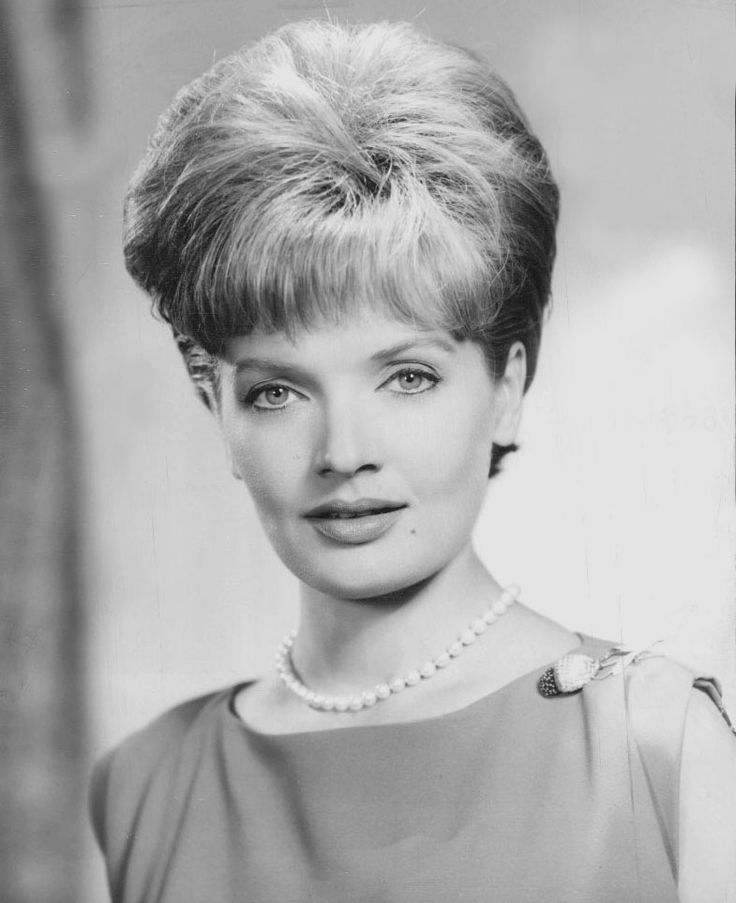 RIP to the ultimate blonde mom, Florence Henderson (born Florence Agnes Henderson, Feb. 14, 1934- November 24, 2016)