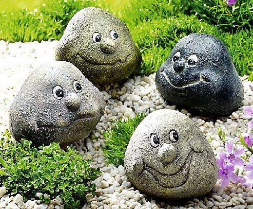 """""""Würzen"""" Sie Ihr grünes Reich mit einer Prise Humor! Die vier kleinen Schelme setzen originelle Akzente im Blumenbeet, Pflanztopf oder auf der Fensterbank #garten #deko #weltbild"""