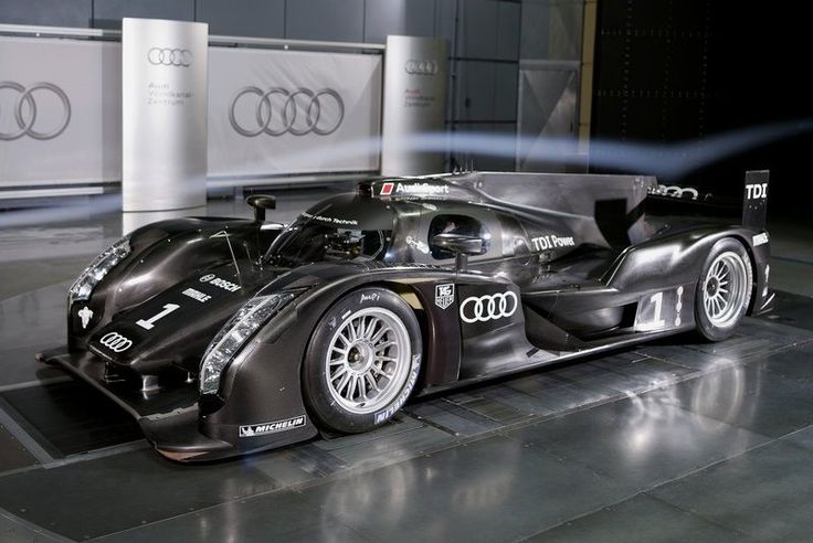 and green-ish (AWD, 1axel powered by batteries + 1 axel powered by a 516 hp V6)Car, Sports Cars, 2011 Audi, Tops 10, 10 Wallpapers, Racing Cars, Audi R18, Le Man, R18 Racecar