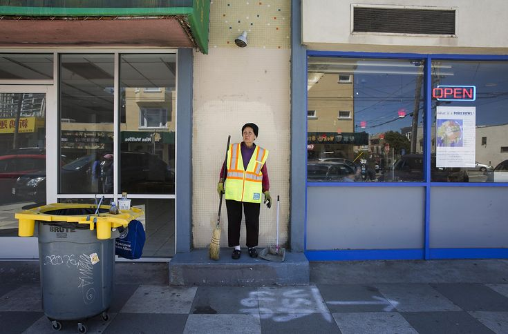 S.F. street cleaner, 67, is 'Grandma' at home and on the job - San Francisco Chronicle