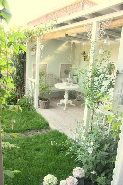 24 Homes: Garden and porch pictures / Tuin- en veranda foto's