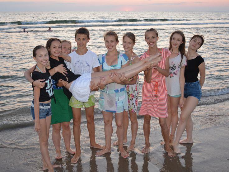 ВНИМАНИЕ!!!  Продолжается набор детей от 8 до 18 лет, занимающихся в российских и зарубежных профессиональных хореографических училищах, колледжах и школах искусств, а также участников самодеятельных танцевальных коллективов, желающих улучшить свою подготовку, на Летний Балетный Интенсив ГРАНД БАЛЕТ, который будет проходить в Анапе со 02 по 30 июля 2017. Осталось всего три дня, когда всем желающим принять участие, доступно предложение по цене раннего бронирования (до 31 марта 2017 года…
