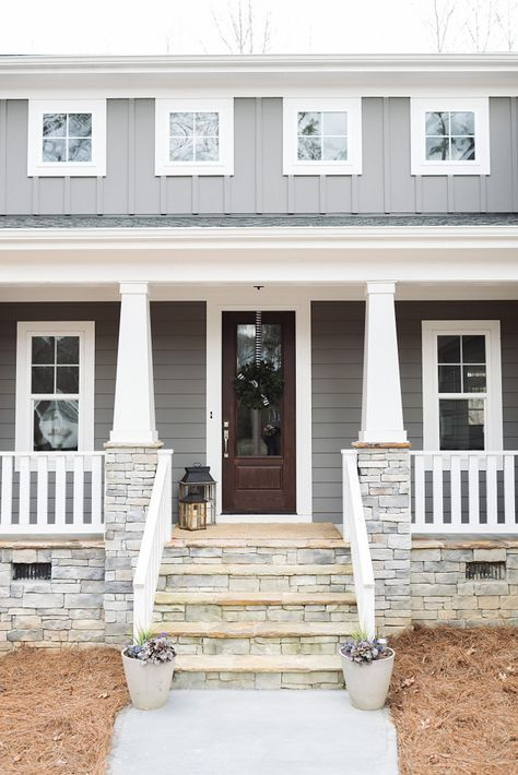 Sw Gauntlet Grey With Snowbound Trim Exterior House