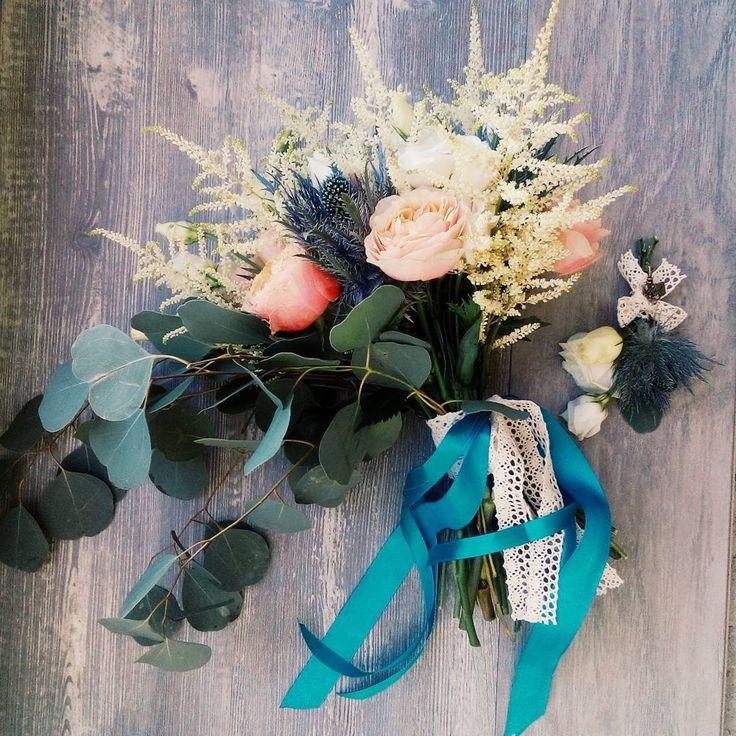 Как обычно, мы сами не ожидаем как выйдет красиво  Добраутричка!  #vscocam #букетневесты #рустик #rustic #weddingbouquet #aquablue #weddingflowers #weddingart #свадьбавсреду #нуачо #мыгениальны