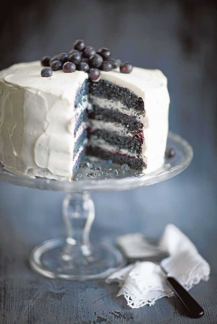 Blue Velvet Cake with blueberries