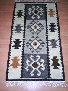Carpeta motive traditionale