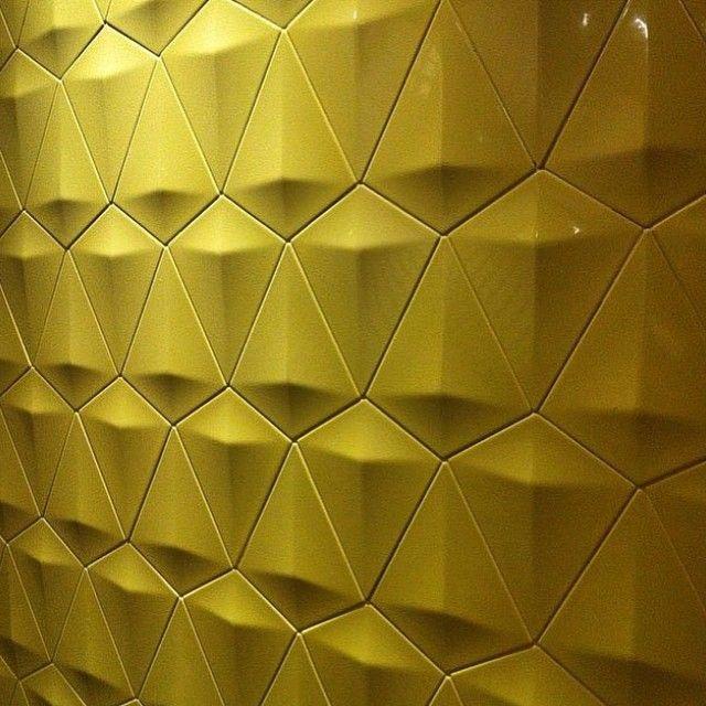 A linha Diamond tem várias cores e você encontra na @Casarevest #revestimento3d #decortiles #arquitetura #projeto #revestimetosespeciais