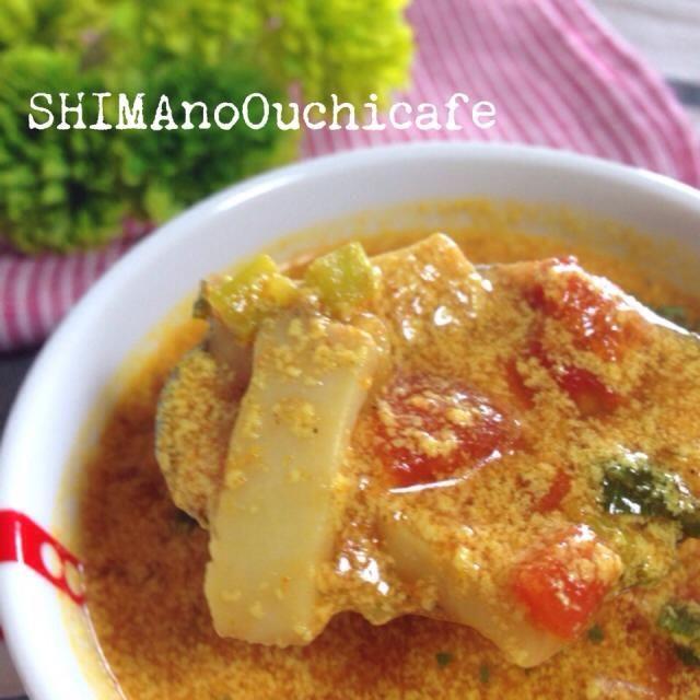 朝晩涼しくなったこの季節に スパイスでほっこり暖まるカレースープ 朝ごはんや休日のブランチに! レシピはこちら http://ameblo.jp/shima-no-ouchicafe/ - 31件のもぐもぐ - キノコとトマトのミルクカレースープ by SHIMAouchicafe