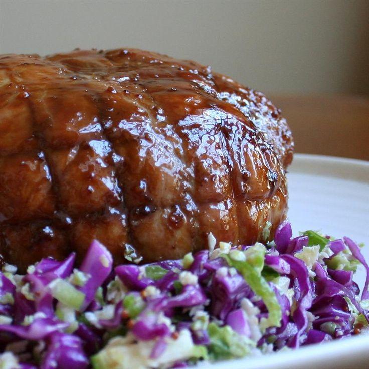 Foto recept: Varkensrollade met honing-mosterdglazuur