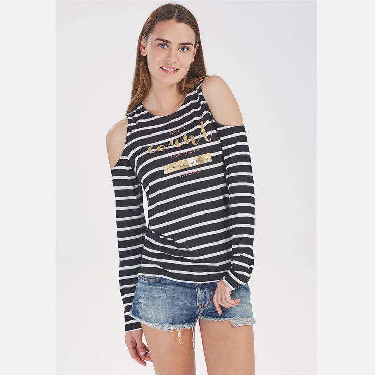 Bu sezon gözler omuzlarda! #ltb #ltbjeans #style #fashion #trend #denim #jeans #jeanshort