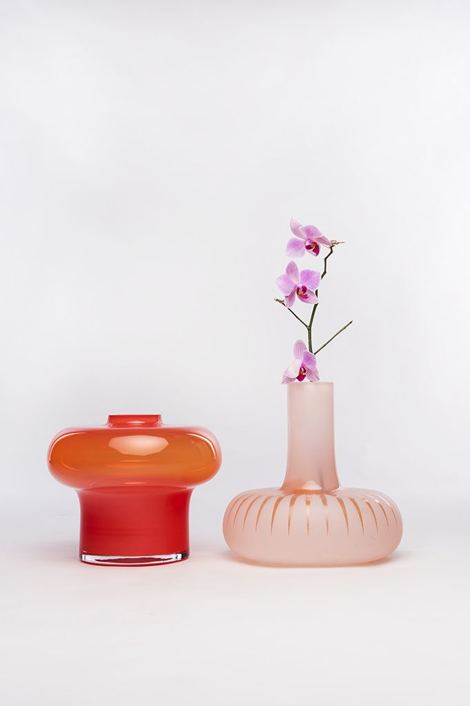 else_and_marie_vases_by_kristine_five_melvaer_for_magnor_glassverk_01