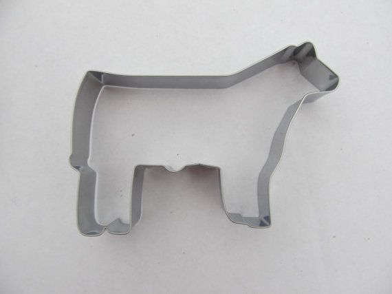 This show steer and heifer cookie cutter was designed exclusively by The Branded Barn. Each cookie cutter is 4.75 inches long and 3 inches tall. They are made of stainless steel so they will not rust.