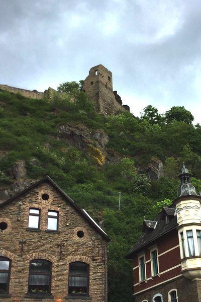 Die Burg Are in Altenahr in der Eifel: Ausflugsziel, Geschichte und Wandern!