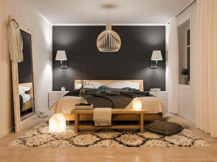 appliques blanches, tapis geometrique, grand miroir ...