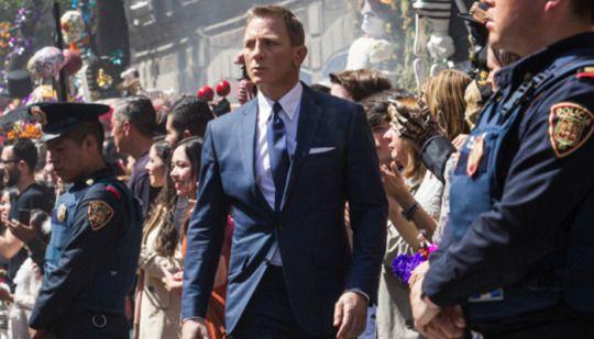 cineyahoo54-yahoopartner:          Daniel Craig sorprendía a todos los fans de la saga James Bond al afirmar en unas declaraciones a Time Out que prefería cortarse las venas antes que continuar con el