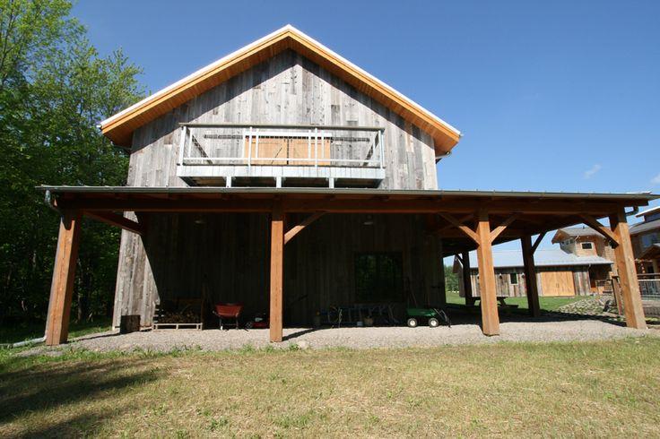 Timber frame timber frame barns new energy works for Barn frame homes