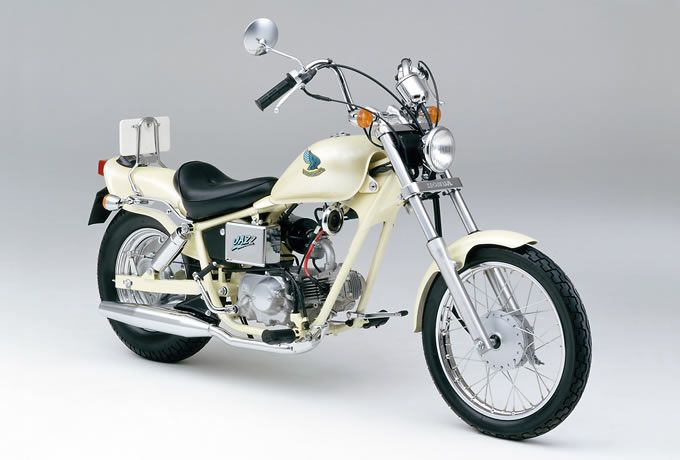 絶版原付「ホンダ ジャズ (1986)」の車両情報から中古車状況までご紹介!バイクブームに沸いた1970~80年代に開発された原付バイクは、魅力いっぱいの名車ぞろい。2ストエンジンならではのスパイスの効いた走りは、今なお多くのライダーの心を刺激し続けます。モデルによっては、まだ購入も可能。原付を探してるなら要チェック!原付スクーター&ミニバイクの総合サイト、原付・ライド