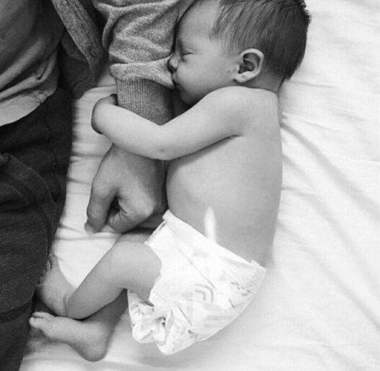 Neugeborene fotografieren Ideen 67 #fotografieren #ideen # ...