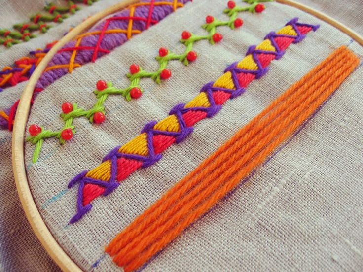 http://misakomimoko.blogspot.de/2014/09/autumn-embroidery-workshops-are-back.html