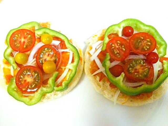 手作りトマトソースは、ちょっとすっぱくて、爽やかな味。ピザトーストの味がグレードアップするはず! - 21件のもぐもぐ - 手作りトマトソースのピザトースト! by つきっズ料理教室