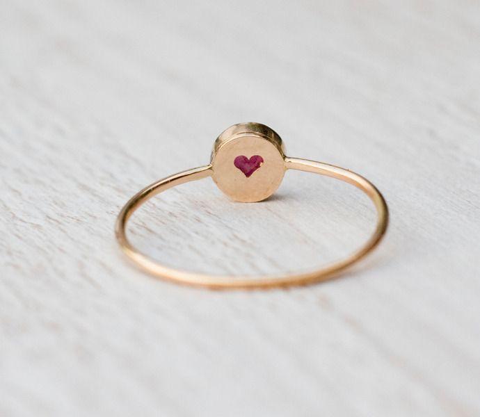 Red Rubin Verlobungsring, 14 Karat Gold Edelstein-Ring.  Der Rubin in diesem Ring ist natürlich, Erde abgebaut, nicht synthetische oder Labor erstellt. Es ist schön rote Farbe. Die Kopf...