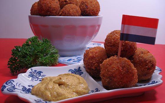 Bitterballen - 12 Recettes néerlandaises - Holland.com