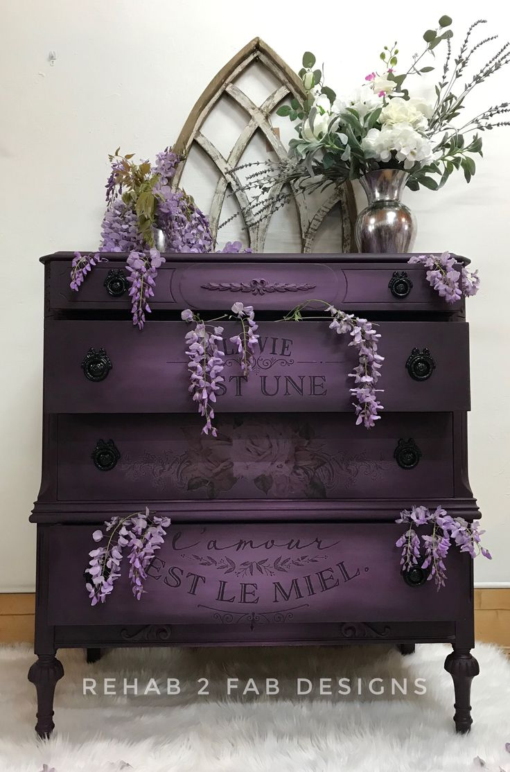 This dresser was given a much needed makeover using chalk synthesis paint by Wis…