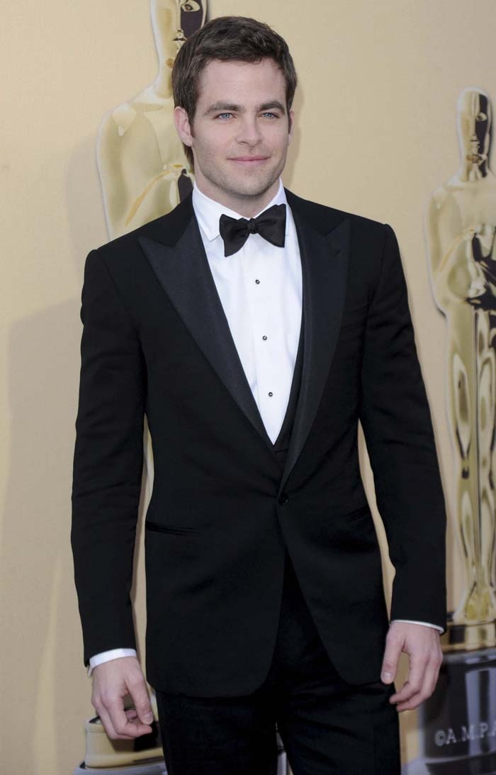 Chris Pine dressed in a Purple Label tuxedo the Academy Awards in March 2010