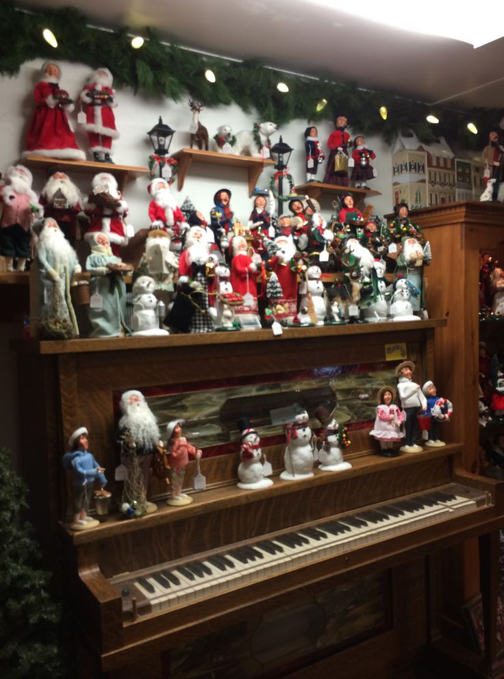 Byers Choice Carolers Seaside Country Store Fenwick