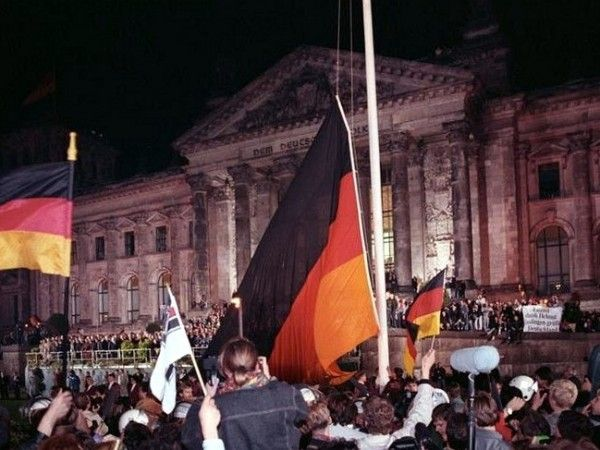 "The story of German Reunification Day ""Tag Der Deutschen Einheit."" The link is an article told through the eyes of a young teen living in Germany during the reunification.  www.germanyja.com"