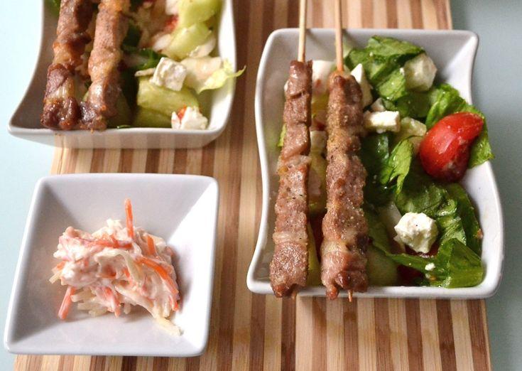 Souvlaki spiedini di pollo con insalata greca   PolloMondiale - W il Pollo