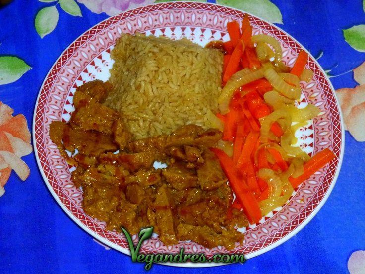 Receta de seitán salteado con verduras y arroz integral : http://vegandres.com/seitan-salteado-con-verduras-y-arroz-receta/  #vegan #vegano #vegetarian #vegetariano #recipe #receta #food #comida #veggi #seitan #cena #dinner