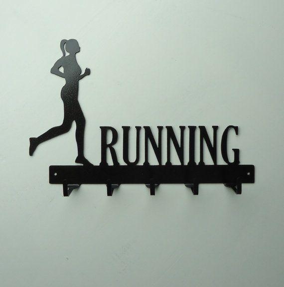 Medallero 11 Ideas #deco para runners   Decoración para corredores  Leer mas: http://runfitners.com/2014/06/11-ideas-deco-para-runners-decoracion-para-corredores/#ixzz34AkJ5Cvy  Follow us: @RunFitners on Twitter   runfitners on Facebook