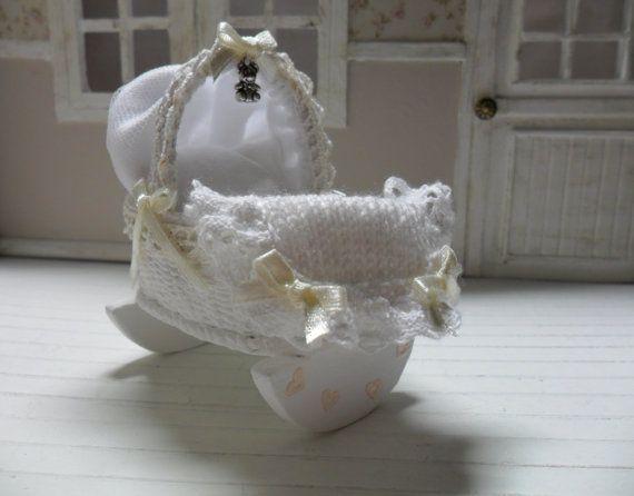 Moises Rocker for baby miniature 1/12 scale by LasMInisdeMaini, €20.00