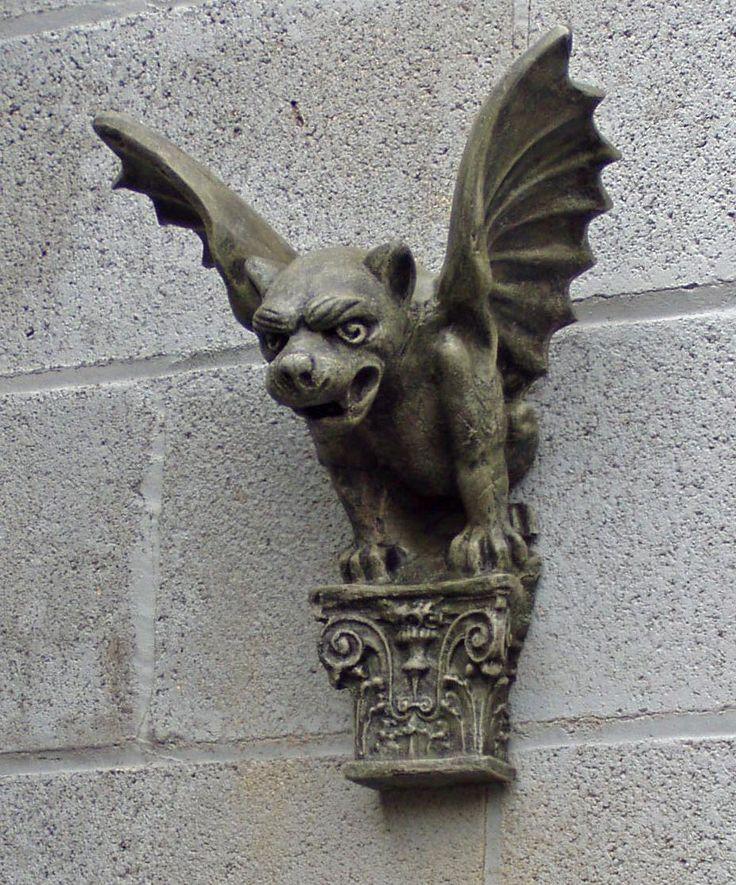 Gargoyle statues, Maxwell, Florentine Winged Dog, Panther Gargoyle ...