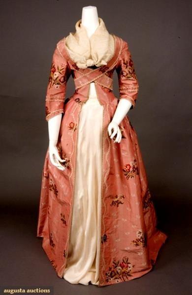 Шведское женское платье 14 века