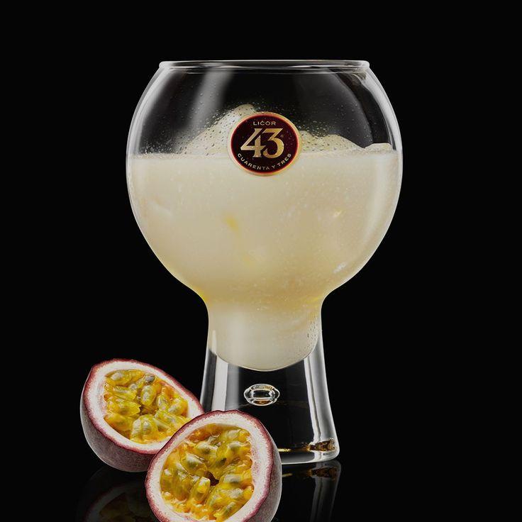 Een fris en fruitig drankje, dat doet denken aan een tropisch paradijs. Perfect geschikt als je eens een nieuwe draai aan onze Blanco 43 wilt geven.