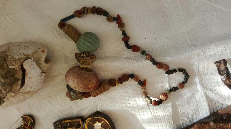 Collier de la tombe 19 de Chaouilley. MAN76746-7. Collection du premier Moyen Âge. Cl. T. Sagory. MAN