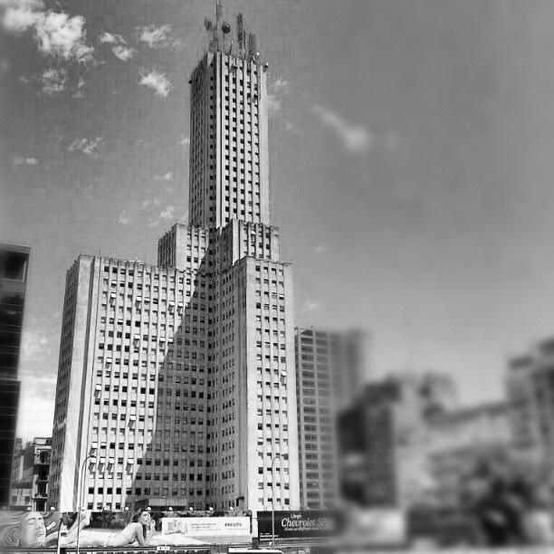 #architecture #architettura #architecturelovers #arq #arquitectura #racionalismo #igersarg #igersbsas #igersargentina #igaddict #igers #igdaily #igerbuenosaires #urbangangfamily #cityscapes #cities #webstagram #statigram #instagram #instatalent #instagramarg #retiro #buenosaires #argentina - @daweiss77- #webstagram