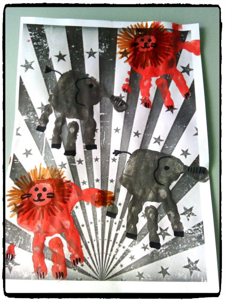 bricolage cirque, éléphants et lions en empreintes de mains, enfant