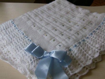 Enxoval de Bebê Feito a Mão em Crochê e Trico - Confira Modelos