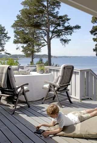 Norway house: Decks Colors, Summer Vacations, Norwegian Summer, Beachi Lakeside, Boards Games, Families Games, Norway Houses, Beaches Houses, Summer Houses
