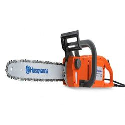 This top handle chainsaw features a powerful 26.9cc two stroke engine housed in a lightweight frame.