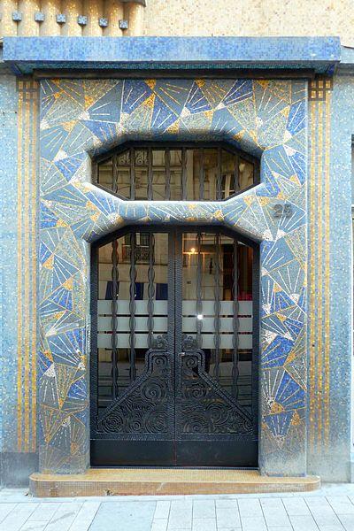 La Maison Bleue, porte d'entrée - Angers, France