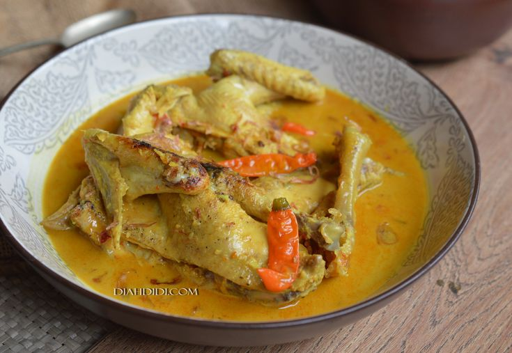 Diah Didi's Kitchen: Ayam Lodho, Nasi Gurih & Urap-Urap